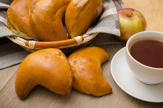 Пирожок с яблоком - фото 5211